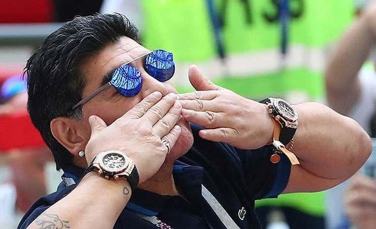 Дієго Марадона протаранив автобус